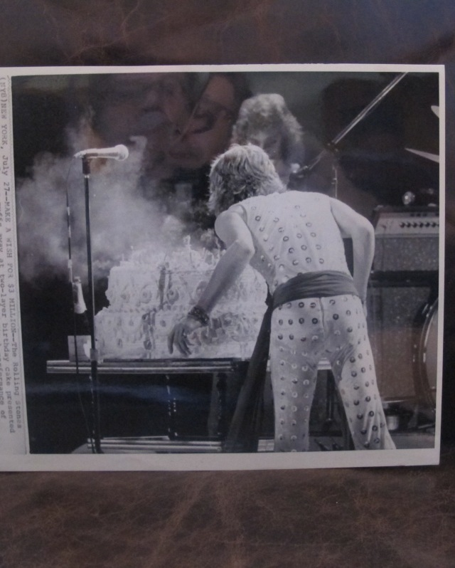 BIRTHDAY BOY: Original wire photo of Mick's 29th birthday cake celebration, last night of '72 U.S. Tour at Madison Square Garden. July 26, 1972