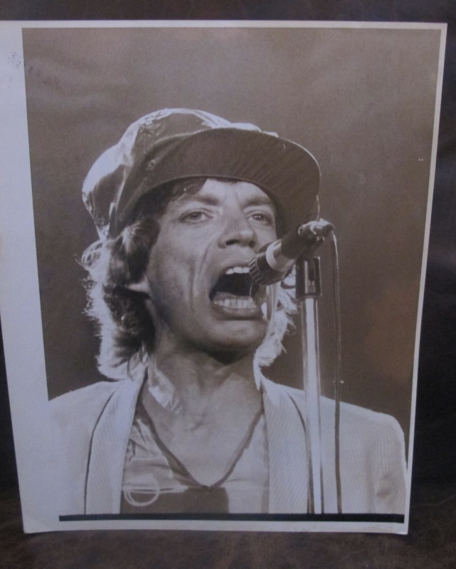SHATTERED CHIC (SHEIK?) IN THIS TOWN: Jagger at the mike on the '78