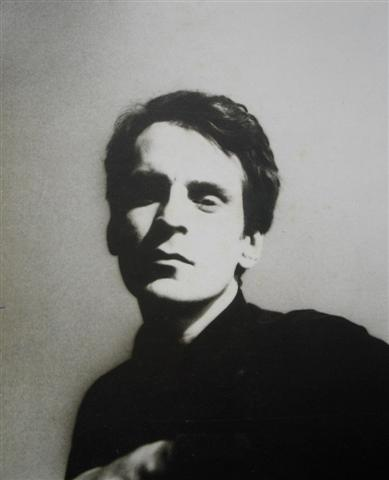 "Portrait of the Artist As A Still-Young Man:  A post-Box Tops/Big Star Alex Chilton, a long ways removed from being 16 and singing ""The Letter"" or 21 and singing ""Thirteen."""